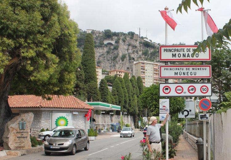 France and Monaco Border